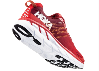 The Hoka Clifton 6 has a thick but nearly flat sole with little drop.